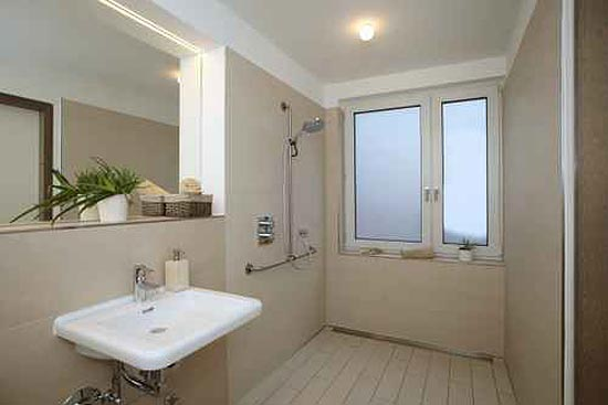 altersgerechtes Wohnen - ebenerdige Dusche